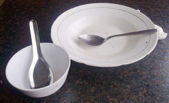 piring harus bersih tanpa sisa makanan lentera zaman